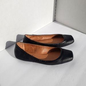 Lucky Brand Santana Leather Flats Sz 8 EUC Black